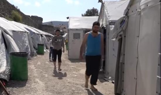 Yunanistan'da ikinci göçmen kampı karantinada